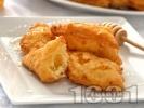 Рецепта Домашни пържени бухтички от парено тесто за закуска